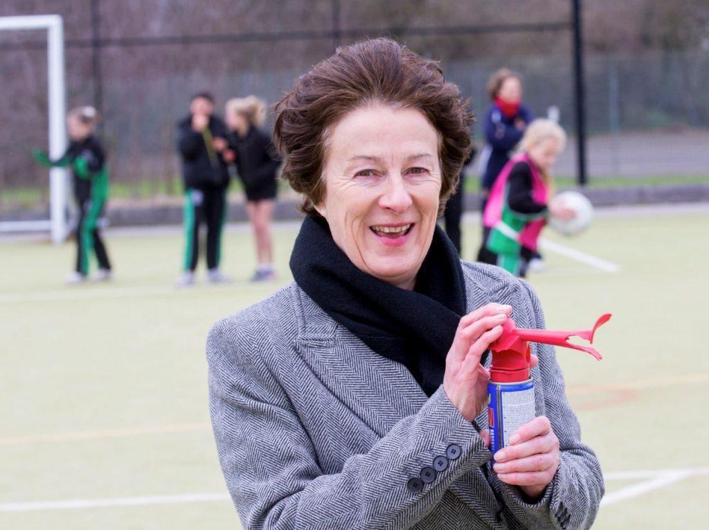 Councillor Atkins awards Lambeth School