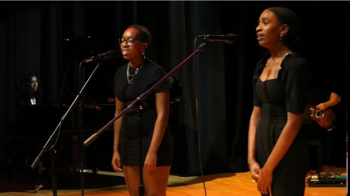Anisa (piano), Alicia and Maya (voice), all L6, perform Amado Mio by Pink Martini